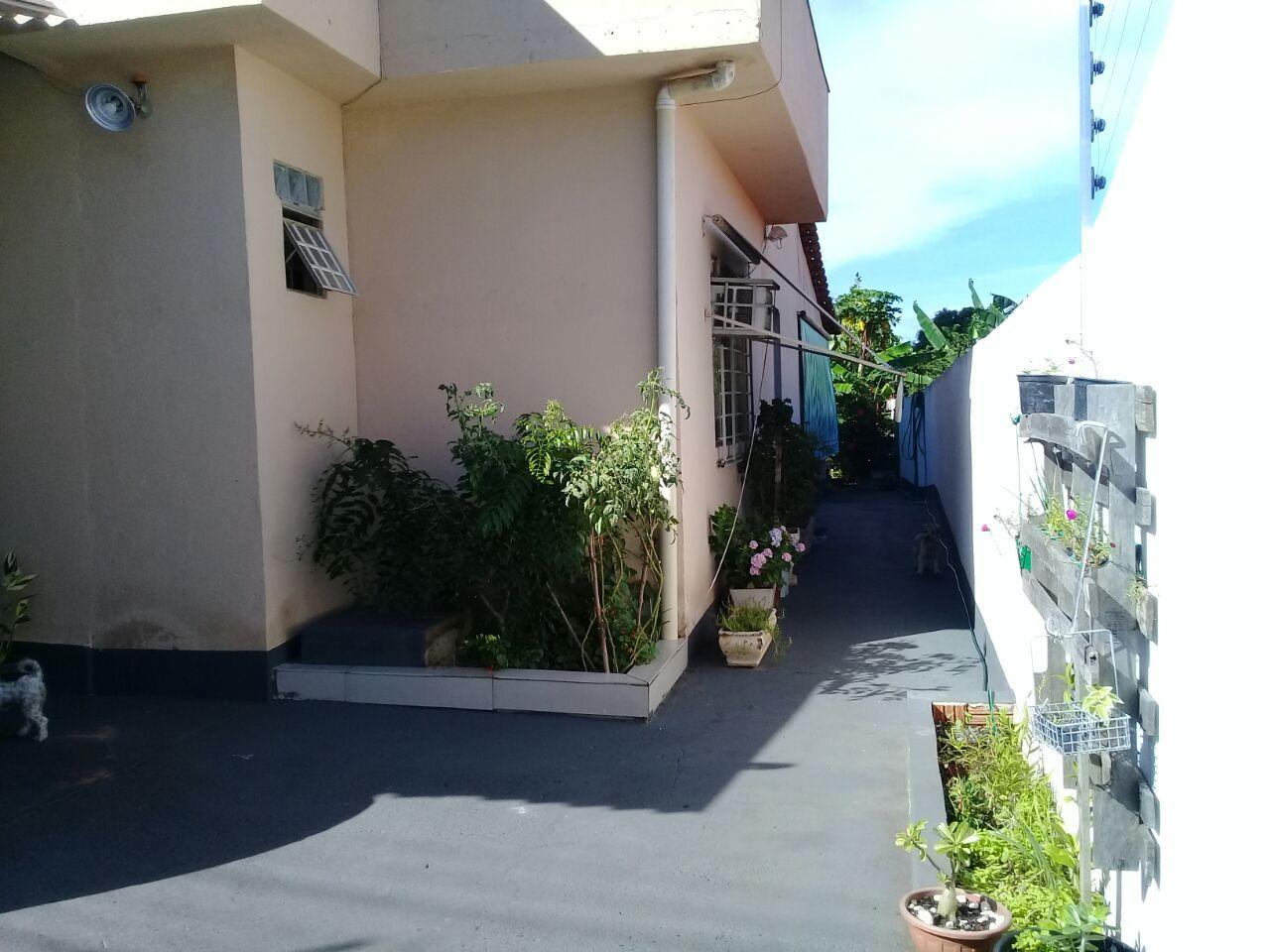 Casa à venda,  com 3 quartos sendo 1 suite no Duque de Caxias em Cuiabá MT 101 11599