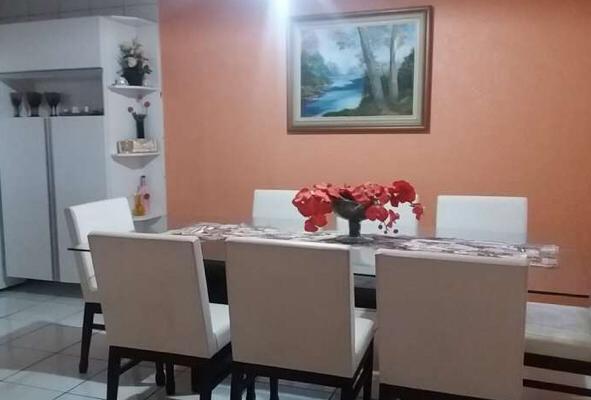 Sobrado à venda,  com 5 quartos sendo 1 suite no Barbado em Cuiabá MT 101 12182