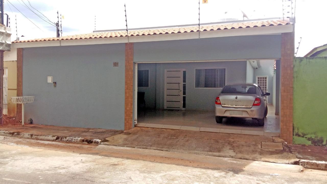 Casa à venda,  com 2 quartos sendo 1 suite no Cristo Rei em Várzea Grande MT 101 12183