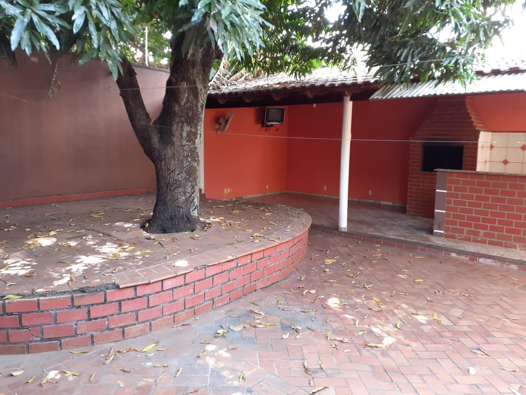 Casa  com 4 quartos sendo 2 Suítes no Cidade Alta, Cuiabá  - MT