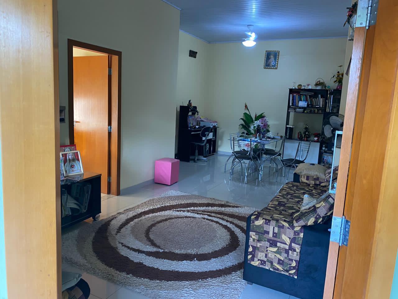 Casa  com 2 quartos sendo 1 Suíte no Morada do Ouro, Cuiabá  - MT