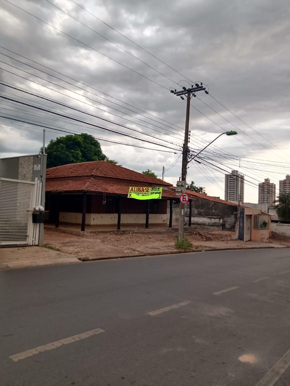 Casa à venda,  com 4 quartos sendo 2 suites no Goiabeiras em Cuiabá MT 101 12624