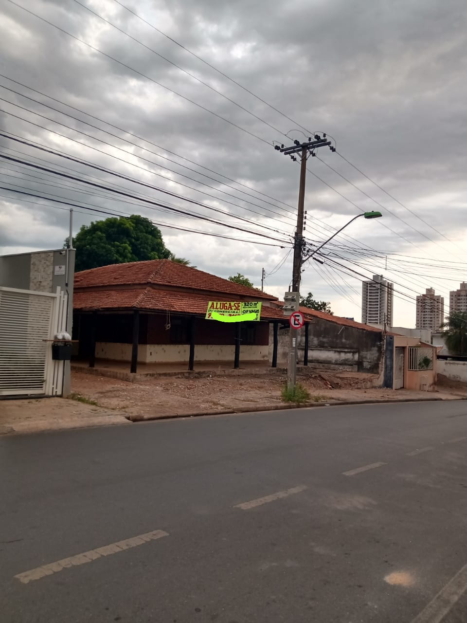 Casa  com 4 quartos sendo 2 Suítes no Goiabeiras, Cuiabá  - MT