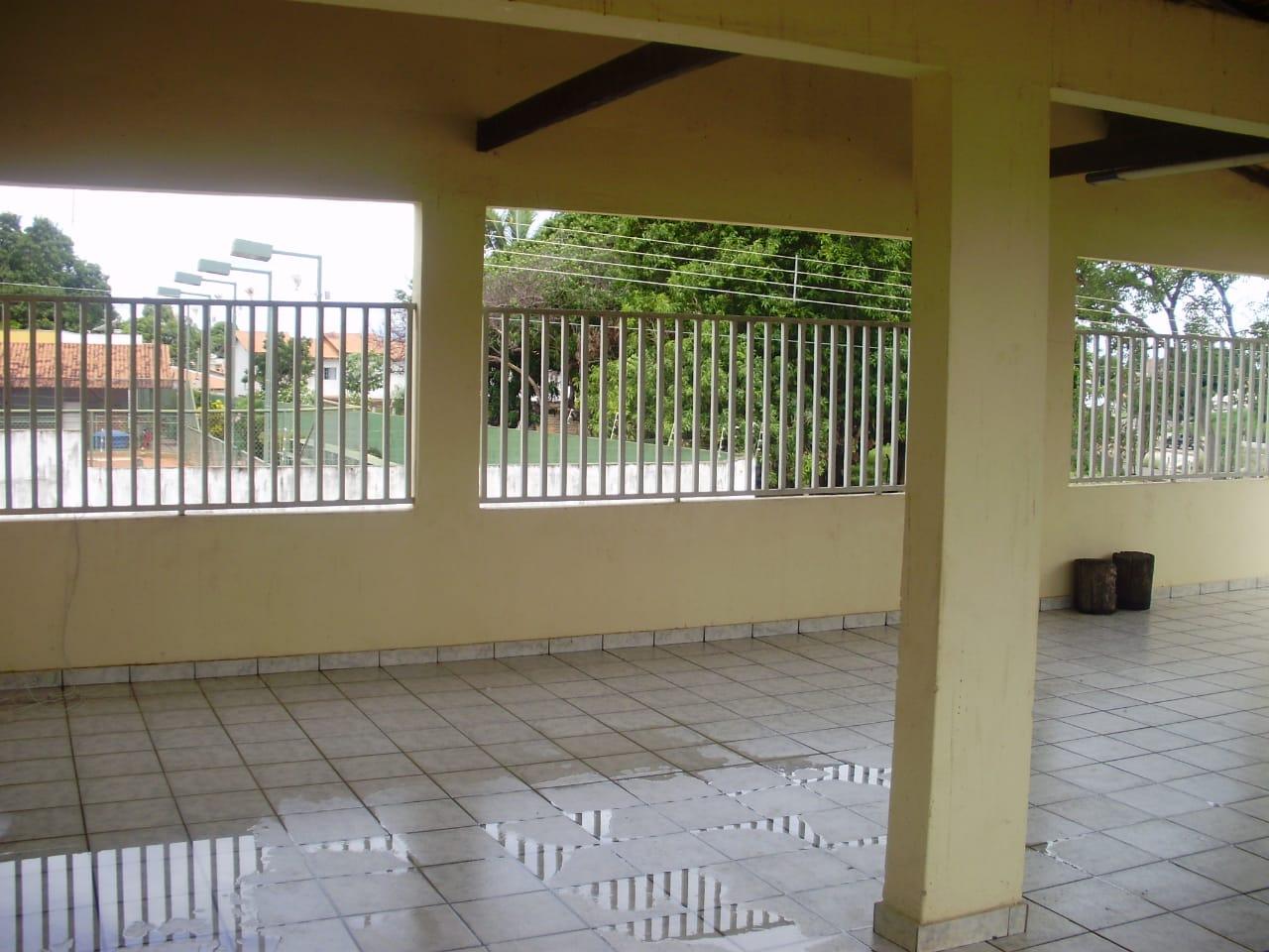 Ponto comercial para aluguel,  com 3 quartos sendo 1 suite no cidade alta em Cuiabá MT 101 12625