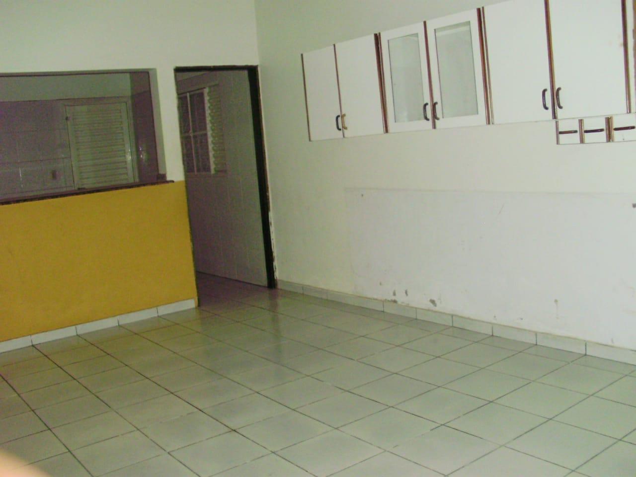 Ponto comercial  com 3 quartos sendo 1 Suíte no cidade alta, Cuiabá  - MT
