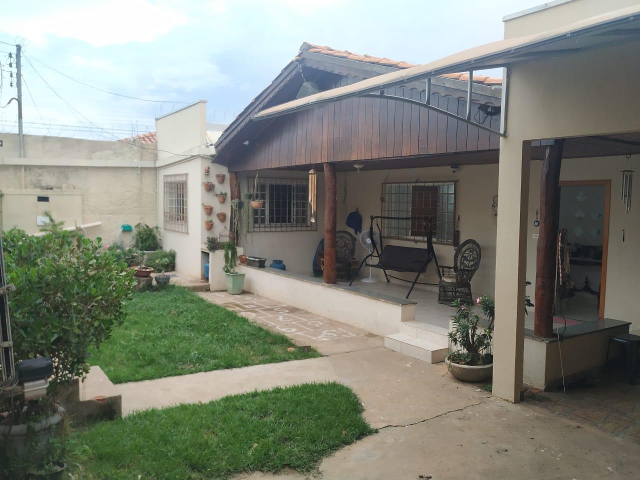Casa à venda,  com 4 quartos sendo 1 suite no JARDIM TROPICAL em Cuiabá MT 101 12638