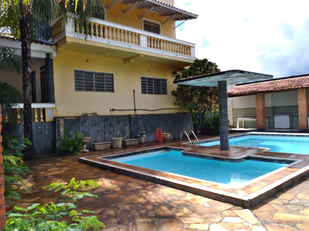 Casa à venda,  com 10 quartos sendo 2 suites no Despraiado em Cuiabá MT 101 12685
