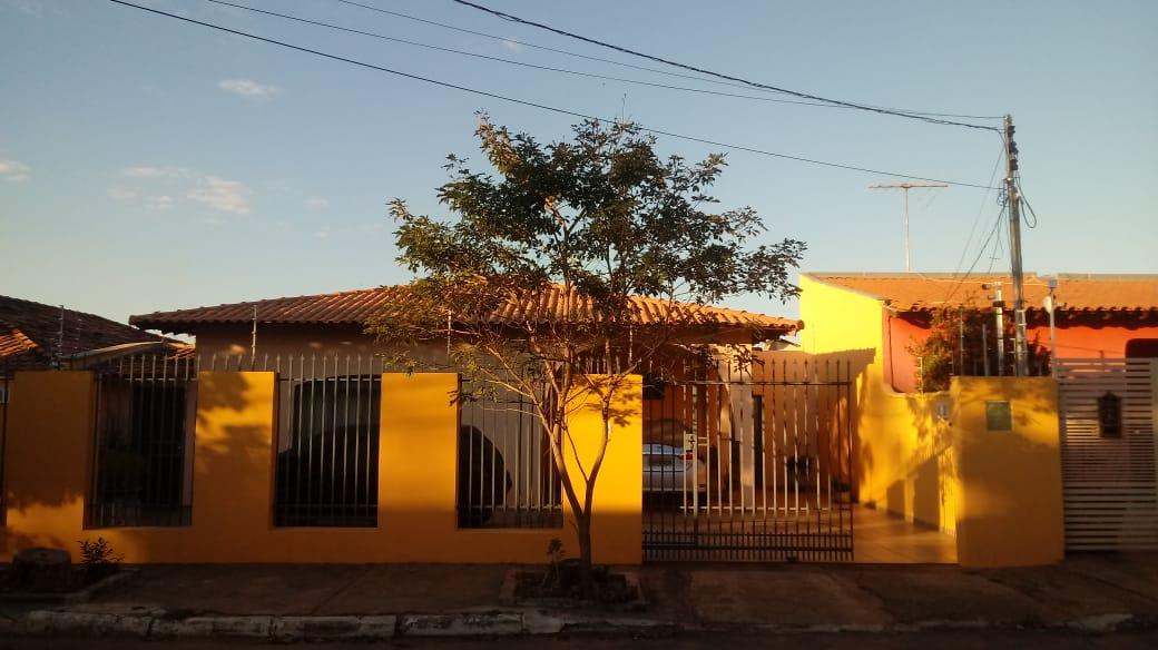 Casa à venda,  com 4 quartos sendo 1 suite no Boa Esperança em Cuiabá MT 101 12696