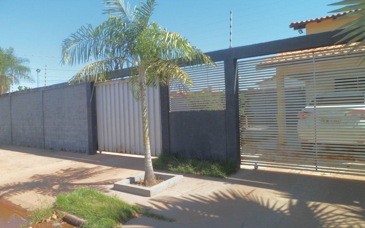Casa à venda,  com 2 quartos sendo 1 suite no Petrópolis em Várzea Grande MT 101 12992