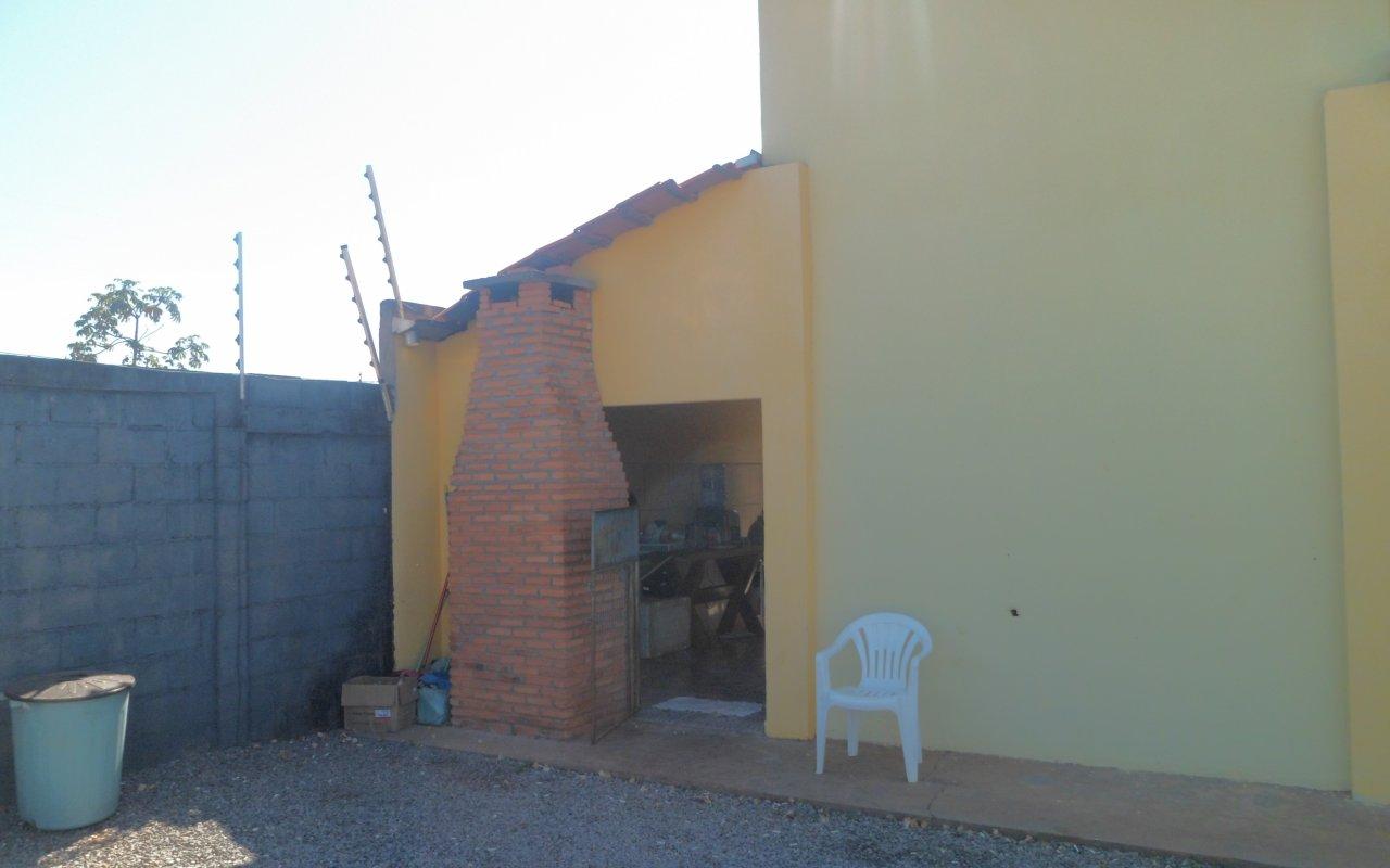 Casa  com 2 quartos sendo 1 Suíte no Petrópolis, Várzea Grande  - MT