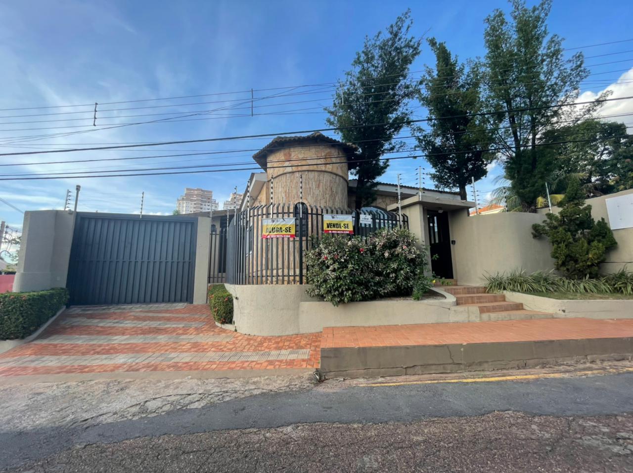 Casa à venda,  com 11 quartos sendo 5 suites no Quilombo em Cuiabá MT 101 12998