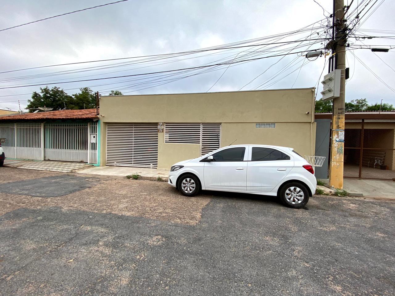 Casa à venda,  com 3 quartos sendo 1 suite no Coophamil em Cuiabá MT 101 13113