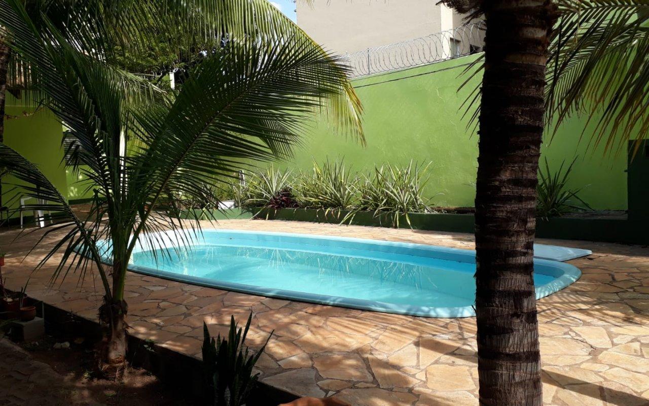 Casa à venda,  com 4 quartos sendo 4 suites no Araés em Cuiabá MT 101 13131