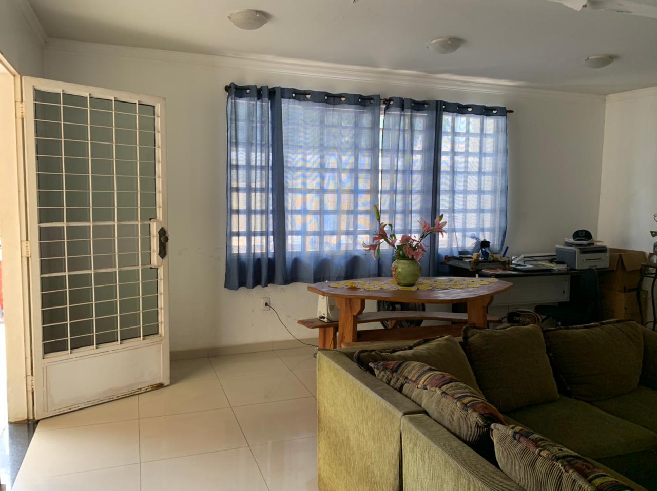 Casa  com 3 quartos sendo 1 Suíte no Morada do Ouro - Setor Centro Sul, Cuiabá  - MT