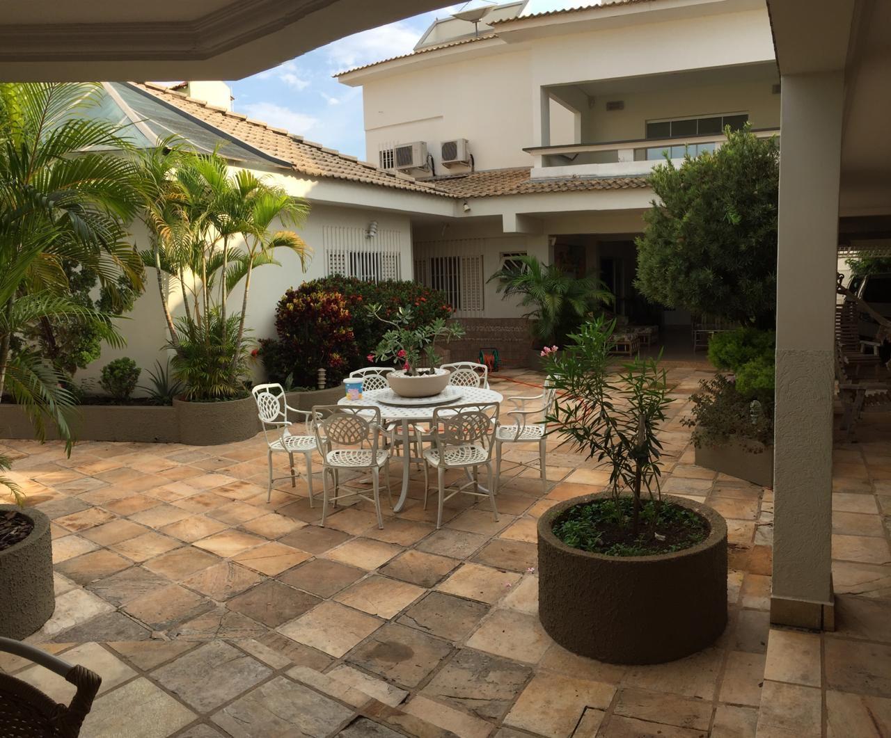 Casa à venda,  com 6 quartos sendo 6 suites no Jardim das Américas em Cuiabá MT 101 13203