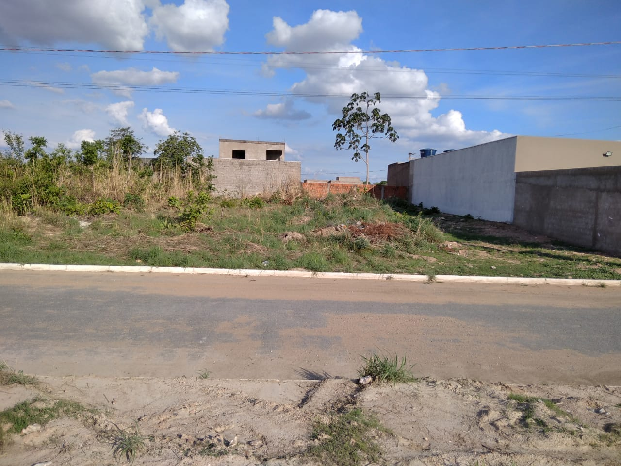 Terreno à venda,  no Parque Residencial Tropical Ville em Cuiabá MT 101 13295