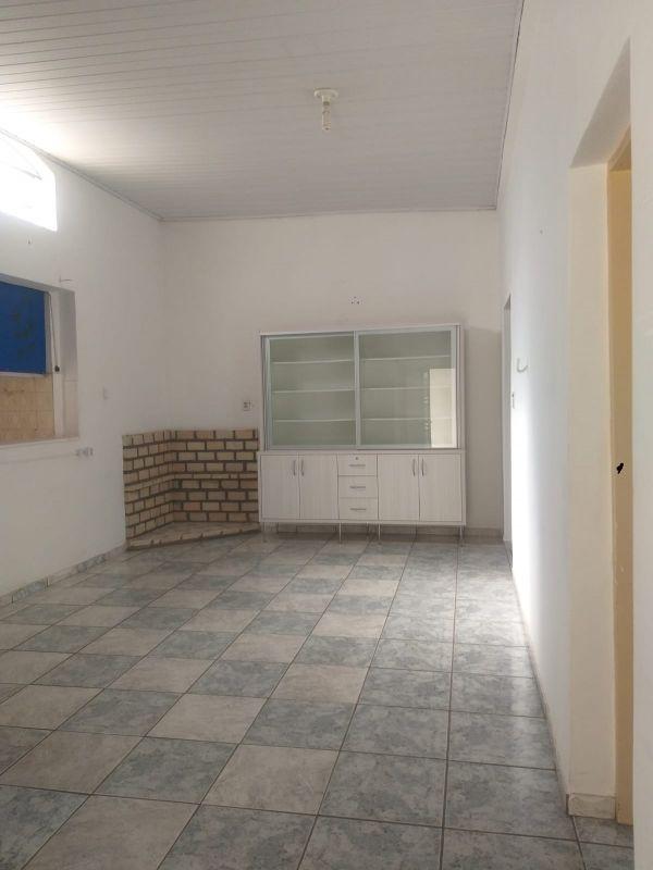 Casa para aluguel,  com 4 quartos no Centro-Sul em Cuiabá MT 101 13324