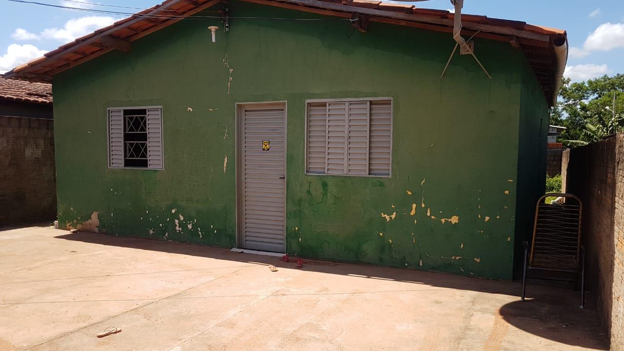 Casa  com 2 quartos sendo 1 Suíte no Jardim Industriário, Cuiabá  - MT