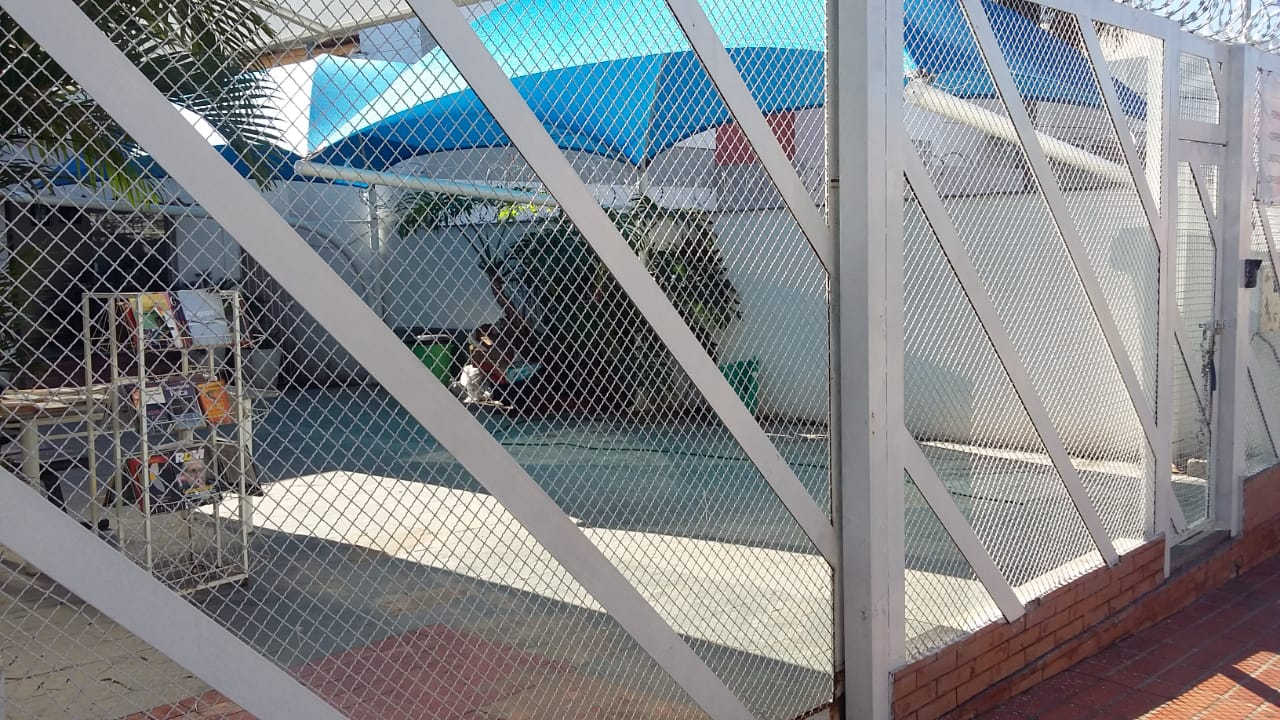 Casa  com 6 quartos sendo 2 Suítes no Centro-Sul, Cuiabá  - MT