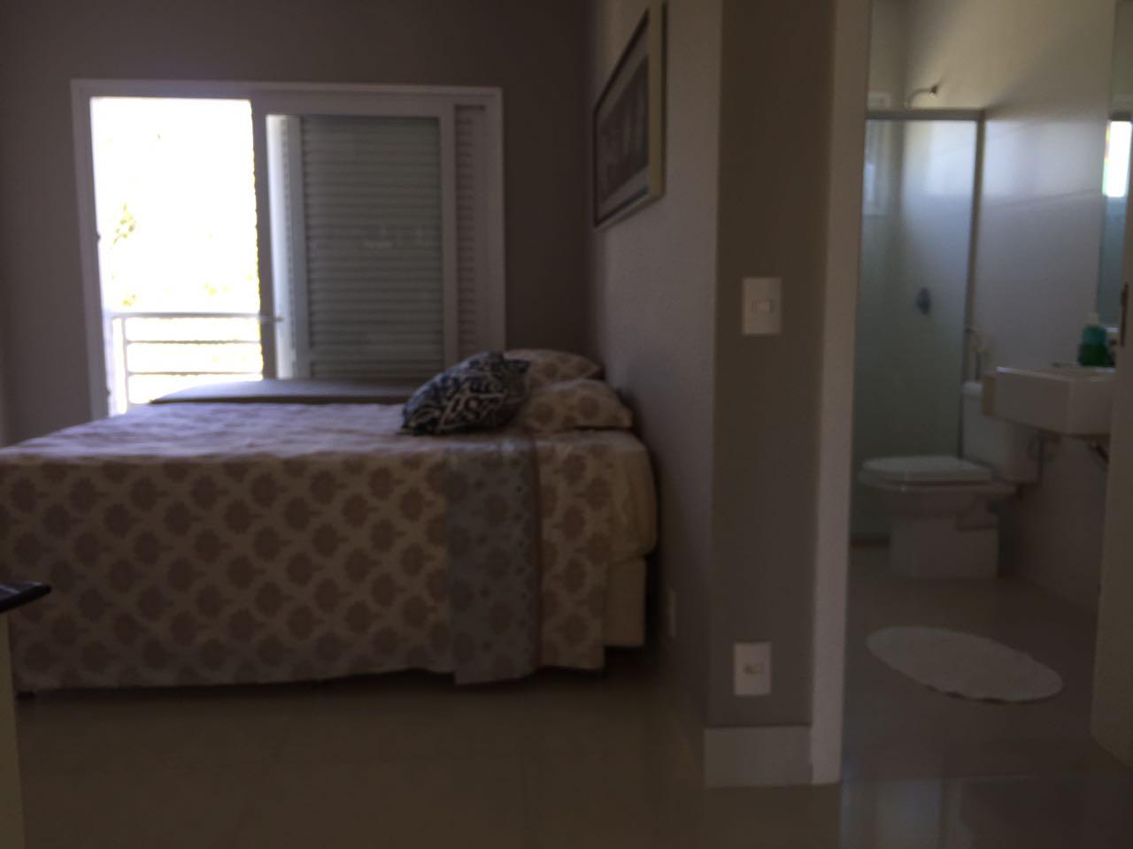 Casa Cond. Fechado  com 4 quartos sendo 4 Suítes no FLORAIS CUIABA, Cuiabá  - MT