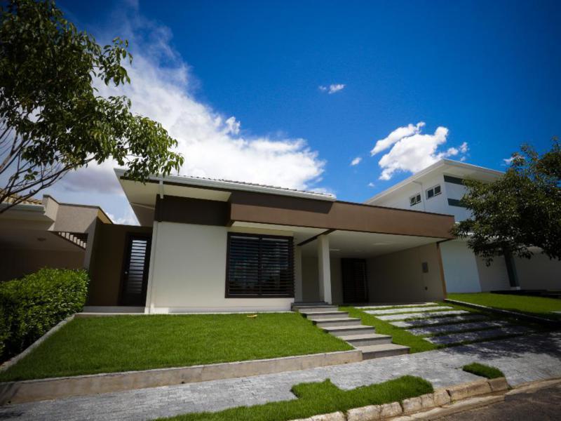 Casa  com 3 quartos sendo 3 Suítes no Jd. das Americas, Cuiabá  - MT