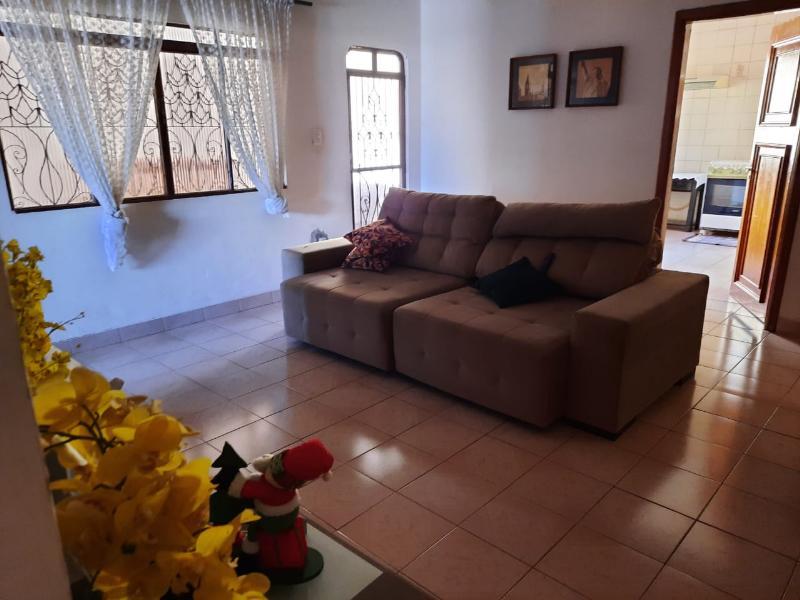 Casa  com 3 quartos sendo 1 Suíte no Centro, Cuiabá  - MT
