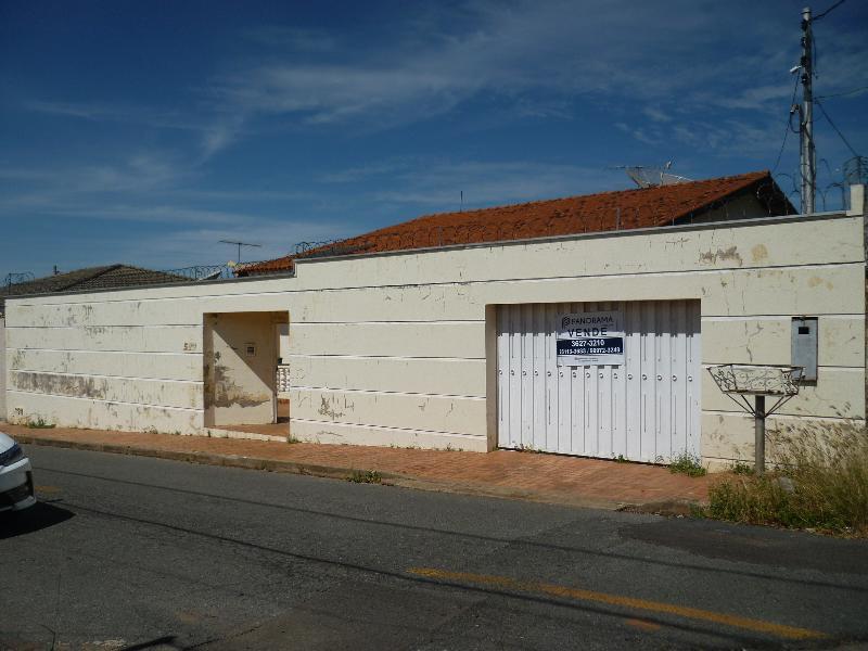 Casa  com 3 quartos sendo 1 Suíte no Cidade Alta, Cuiabá  - MT