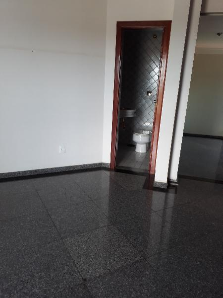 Apartamento  com 3 quartos sendo 1 Suíte no Dom Aquino, Cuiabá  - MT