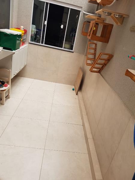 Sobrado  com 3 quartos sendo 1 Suíte no Jardim Universitario, Cuiabá  - MT