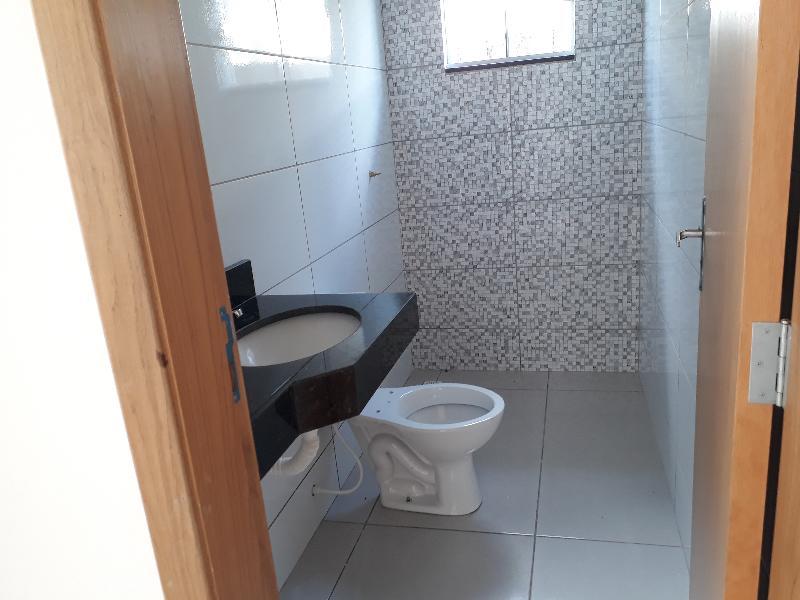 Casa Cond. Fechado  com 3 quartos sendo 1 Suíte no Distrito Industrial, Cuiabá  - MT