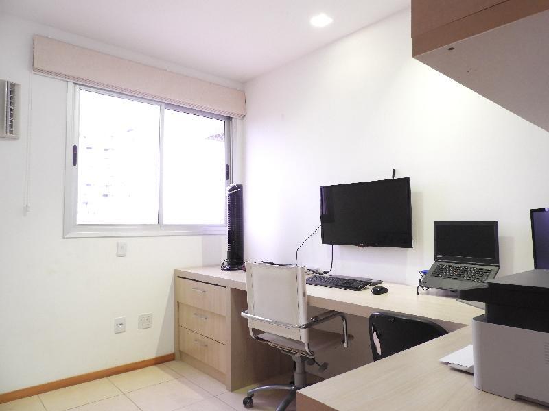 Apartamento  com 3 quartos sendo 1 Suíte no Jardim Kenedy, Cuiabá  - MT
