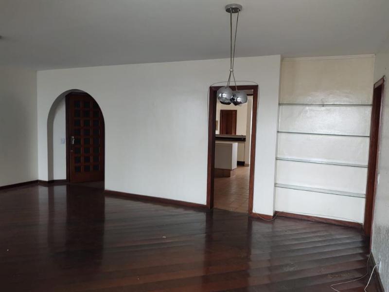 Apartamento  com 4 quartos sendo 2 Suítes no Popular, Cuiabá  - MT
