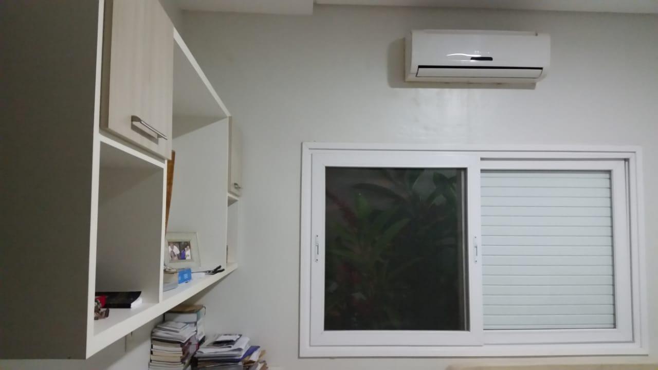 Casa Cond. Fechado  com 3 quartos sendo 3 Suítes no Cond. Alphaville I, Cuiabá  - MT