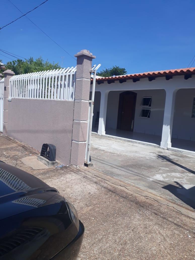 Casa  com 4 quartos sendo 2 Suítes no CPA III, Cuiabá  - MT