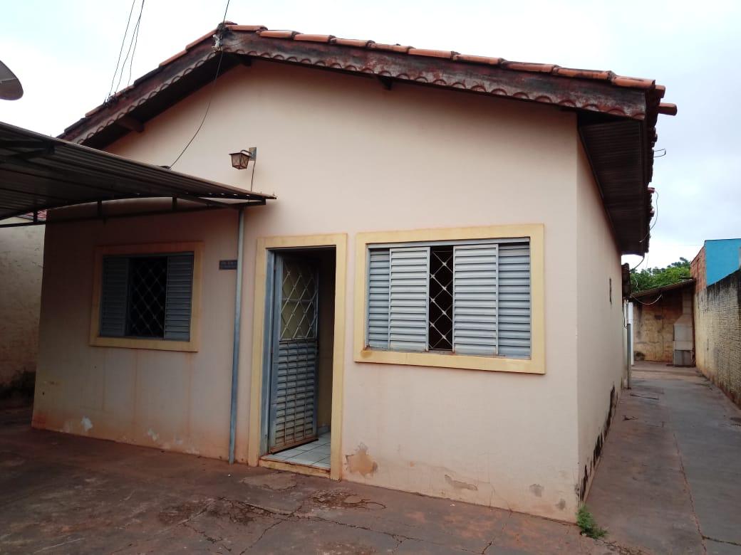 Casa                           com 3 quartos no Ana Maria, Cuiabá  - MT