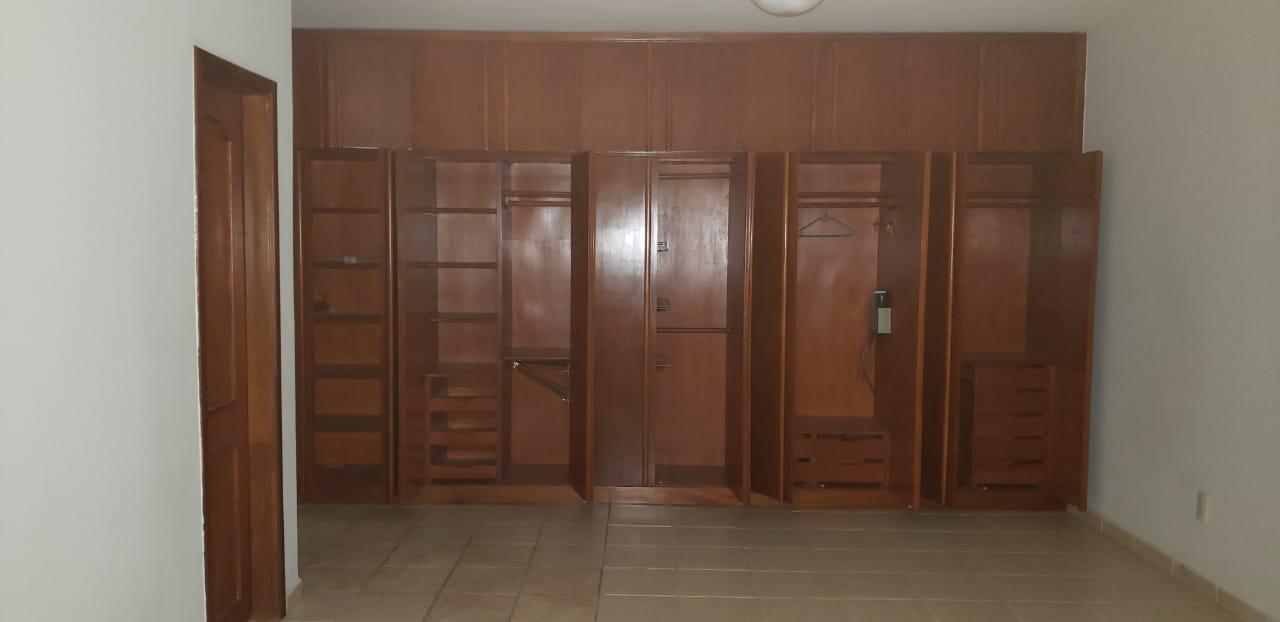 Sobrado  com 5 quartos sendo 2 Suítes no Morada do Ouro, Cuiabá  - MT