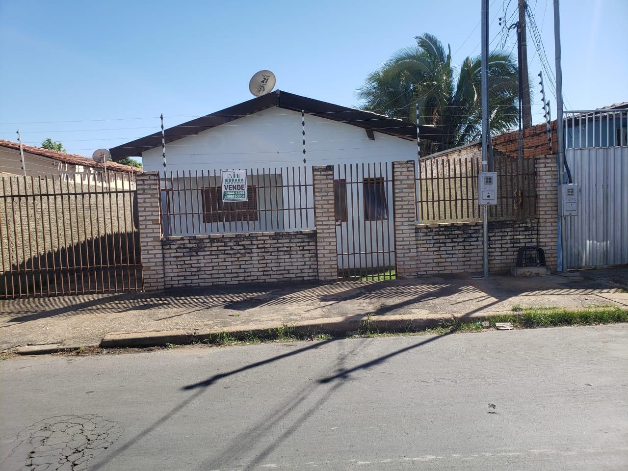 Casa  com 3 quartos no CPA 3, Cuiabá  - MT