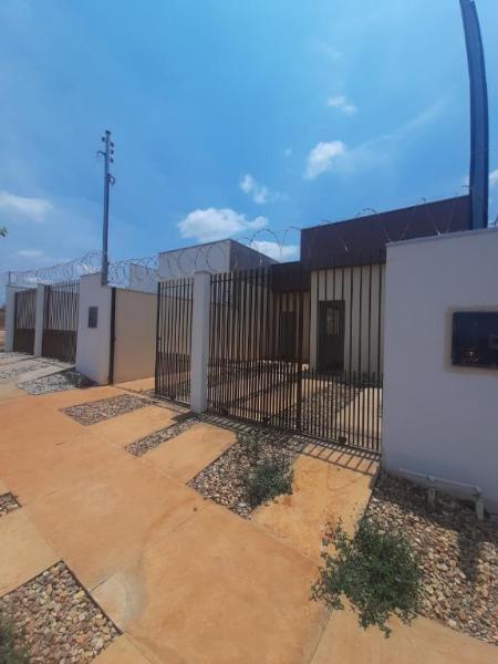 Casa  com 2 quartos sendo 1 Suíte no Parque Laranjeiras, RondonÓpolis  - MT