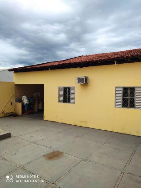 Casa  com 3 quartos sendo 1 Suíte no Vila Aurora II, RondonÓpolis  - MT
