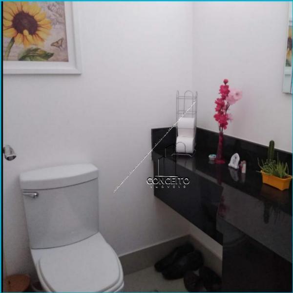 Casa Cond. Fechado  com 4 quartos sendo 2 Suítes no Condomínio Villa Borghese, Cuiabá  - MT