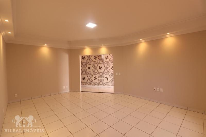 Casa  com 3 quartos sendo 1 Suíte no Jardim Maringa, Sinop  - MT
