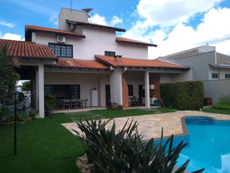 Casa  com 2 quartos sendo 2 Suítes no Jardim Maringa, Sinop  - MT