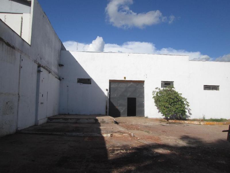 Barracão  no Tijucal, Cuiabá  - MT