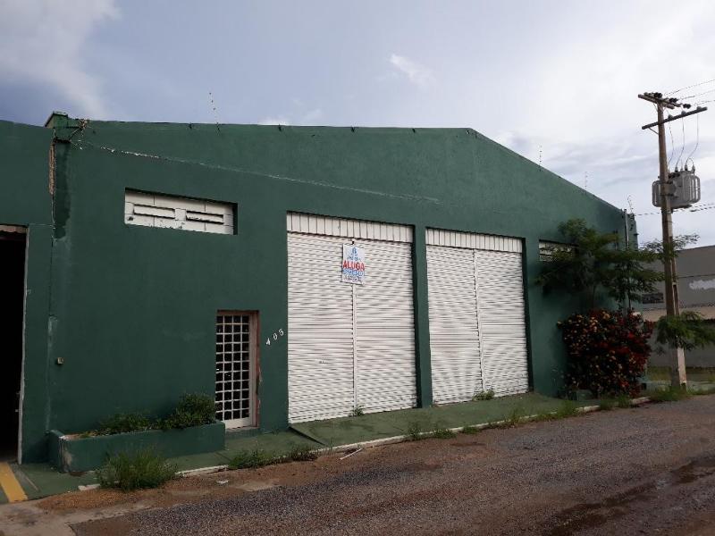 Barracão  no Jardim Petropolis, Cuiabá  - MT