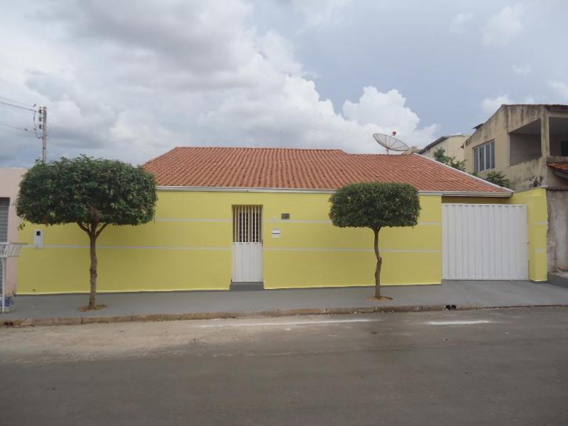 Casa  com 4 quartos sendo 3 Suítes no CPA II, Cuiabá  - MT