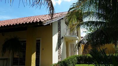 Casa  com 4 quartos sendo 2 Suítes no Jardim Cuiabá, Cuiabá  - MT