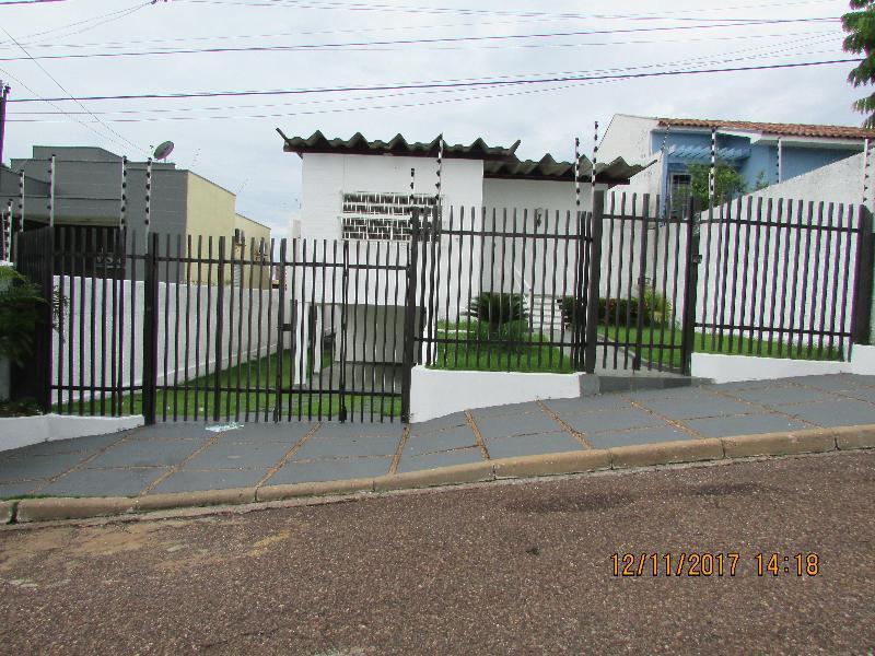 Casa  com 5 quartos sendo 3 Suítes no Quilombo, Cuiabá  - MT