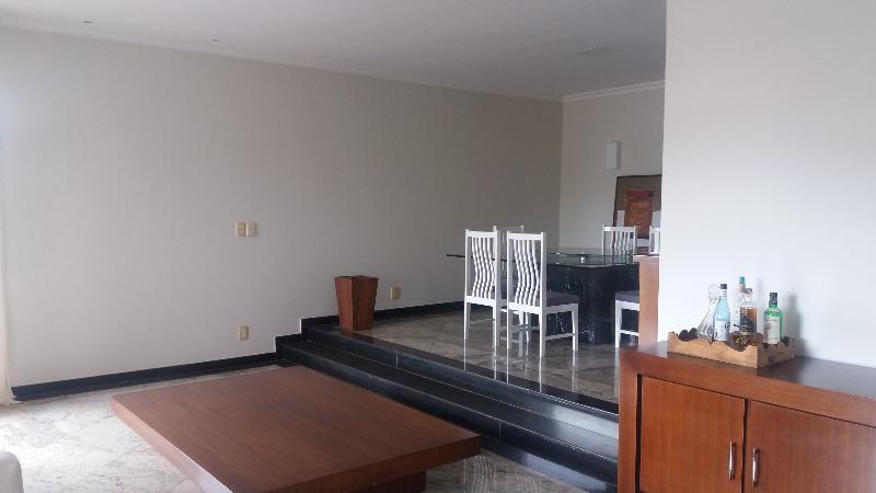 Apartamento  com 4 quartos sendo 2 Suítes no Quilombo, Cuiabá  - MT