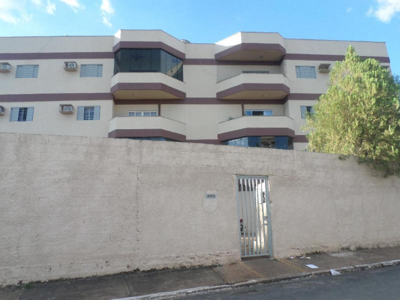 Apartamento  com 3 quartos sendo 1 Suíte no Jardim Monte Libano, Cuiabá  - MT
