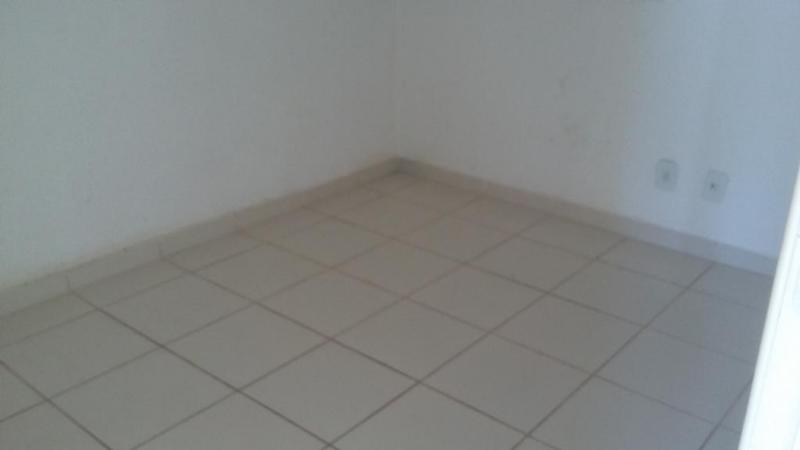 Casa Cond. Fechado  com 2 quartos no Jardim Imperial, Cuiabá  - MT